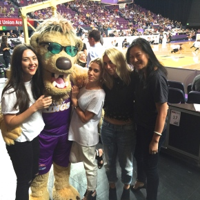 Sporty Chic with the Sydney Kings – What to wear to thebasketball?