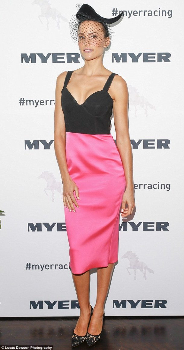 264BA0FF00000578-2978629-What_a_beauty_Rachael_was_her_usual_stylish_self_at_the_Myer_sho-m-32_1425446172573